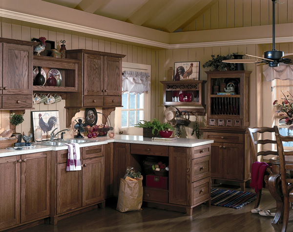 Dark kitchen cabinets with oak trim for Dark oak kitchen cabinets