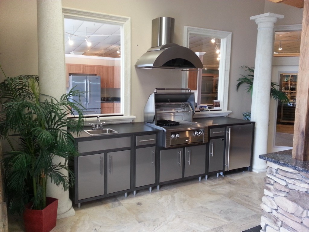 Guide to barbeque grill islands and outdoor kitchens eva for Outdoor kitchen islands for sale