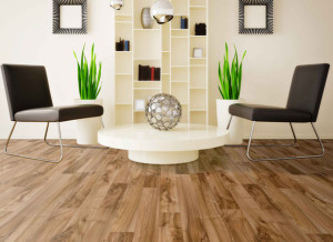 Luxurious Interior Design With Natural Laminated Wood Flooring