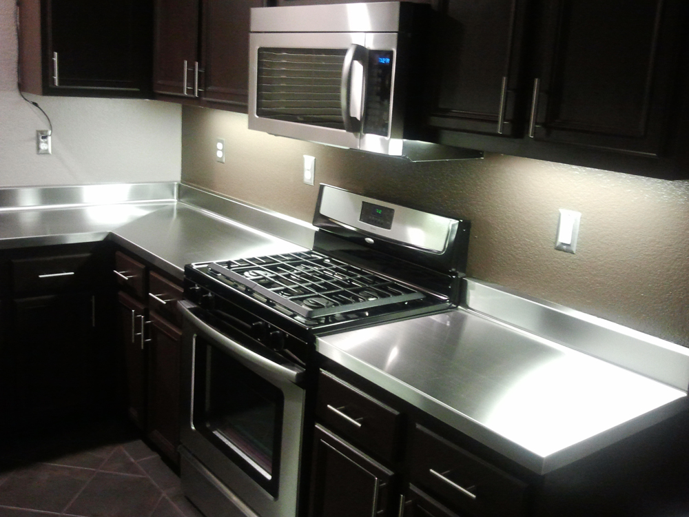 Stainless steel kitchen countertops pros and cons eva for Stainless steel bathroom countertops