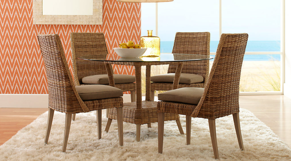 Rattan round casual dining room sets pictures for Informal dining room sets