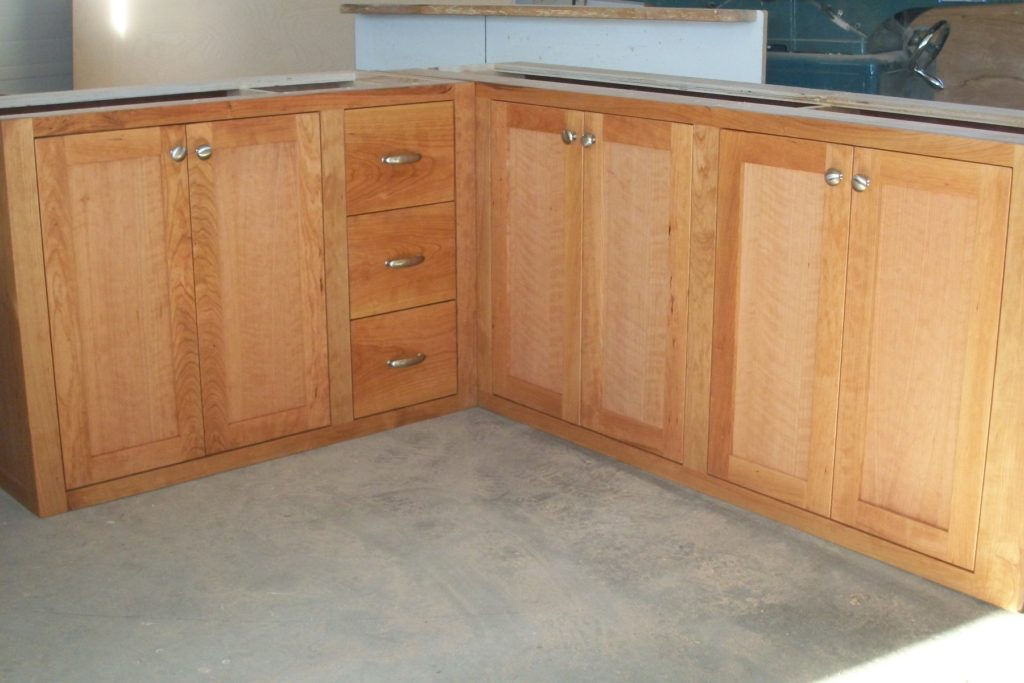 L shaped unfinished kitchen cabinet doors for Kitchen cabinets doors