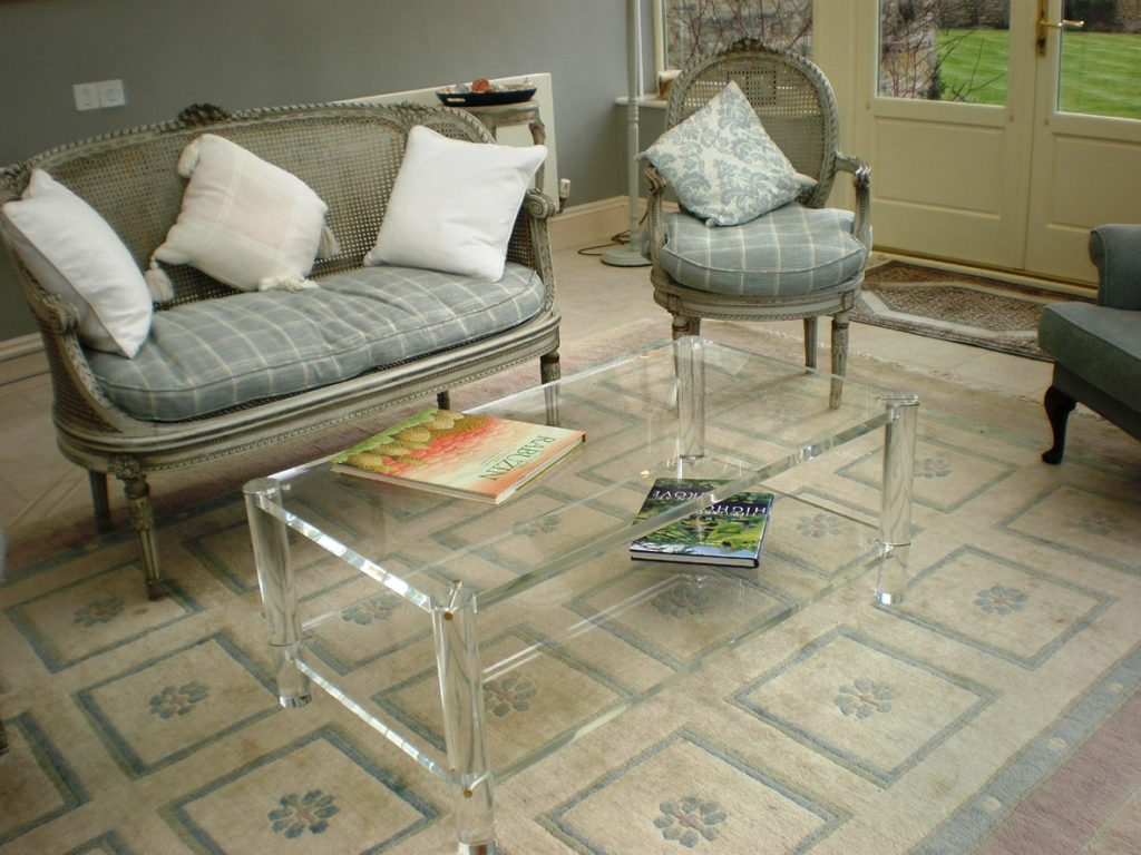 Acrylic coffee table ideas eva furniture - Table plexi design ...