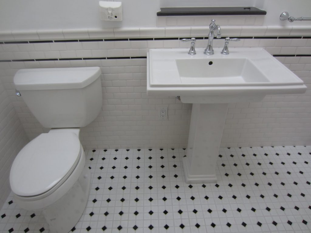 Black And White Tile Pattern For Small Bathroom EVA Furniture - Bathroom tile patterns black and white