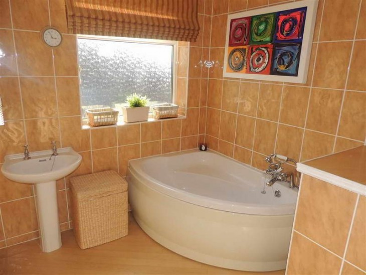Easy Steps To Help You Lay A Tiled Bathroom Floor