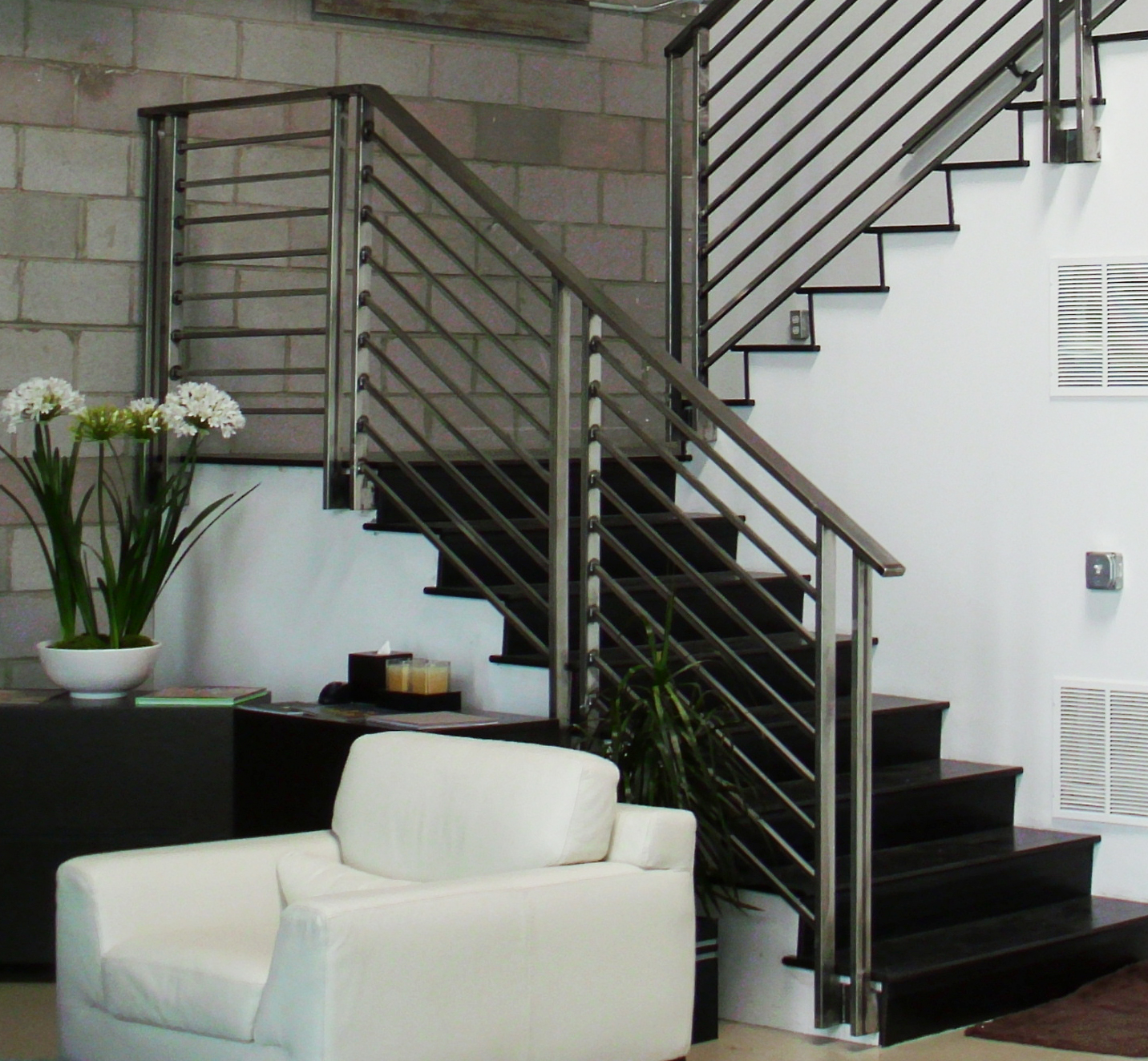 enhance your home with stair railings styles eva furniture. Black Bedroom Furniture Sets. Home Design Ideas