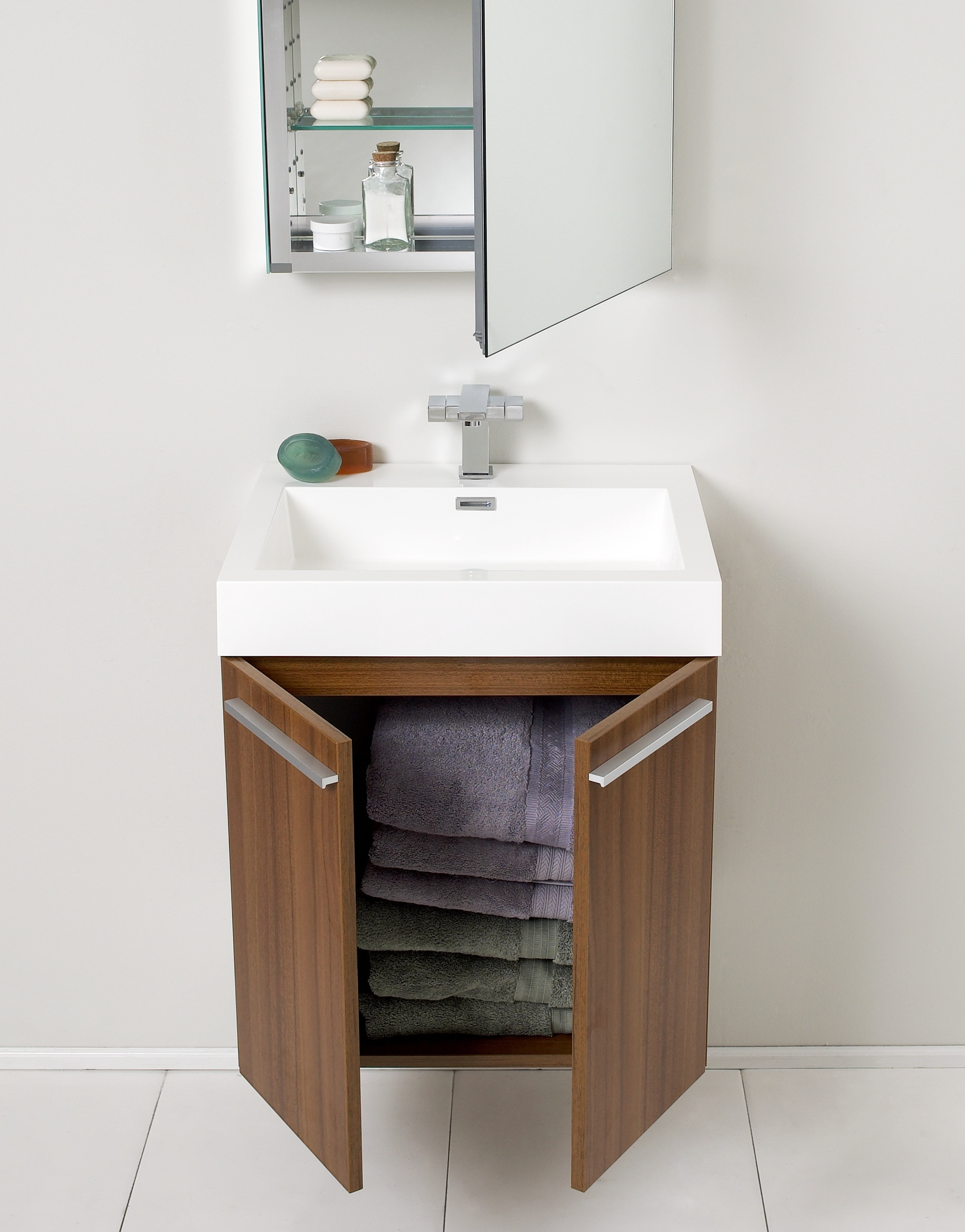 Small bathroom vanities for layouts lacking space eva for Bathroom washbasin cabinet
