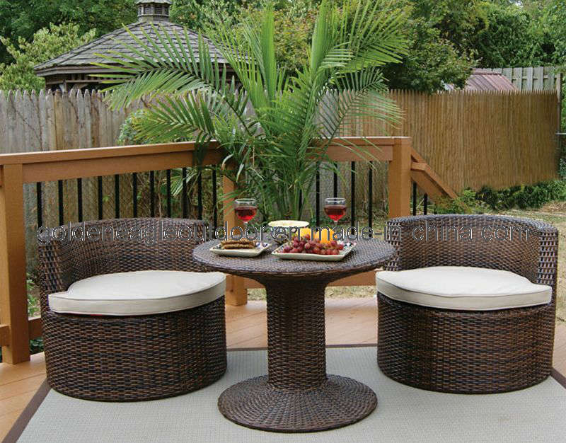 Small patio furniture sets roselawnlutheran for Balcony furniture set