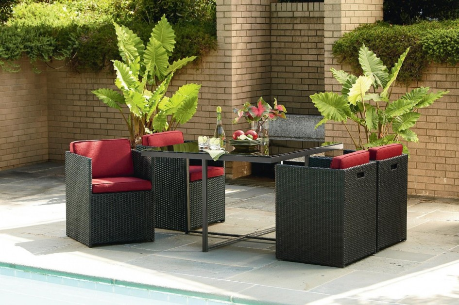 Small space patio furniture sets for home decor ideas for Outdoor dining sets for small spaces