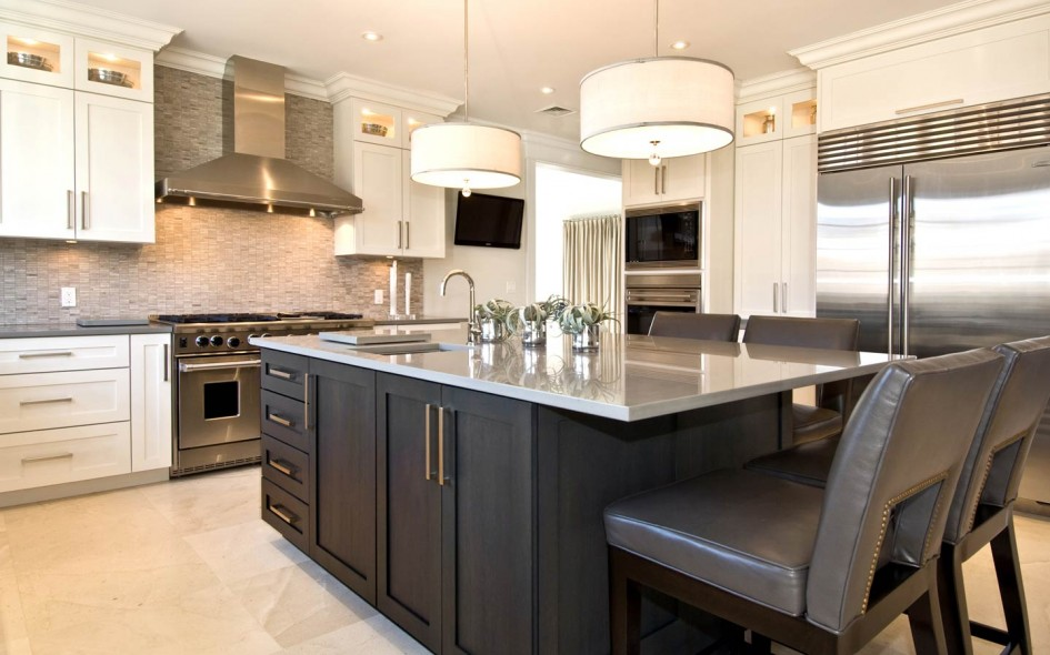 Discover the benefits of stainless steel countertops for your kitchen. Today we look at stainless steel kitchen countertops.