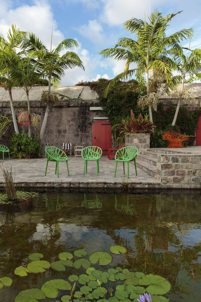tropical-patio-with-vitra-chairs
