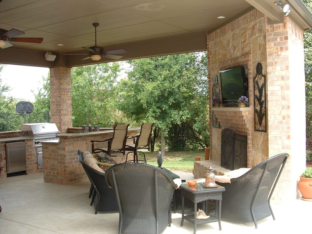 Outdoor kitchens fireplaces eva furniture for Outdoor kitchen designs small spaces
