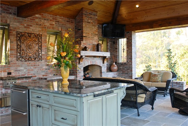 Outdoor kitchens fireplaces eva furniture for Outdoor cooking area and fireplace