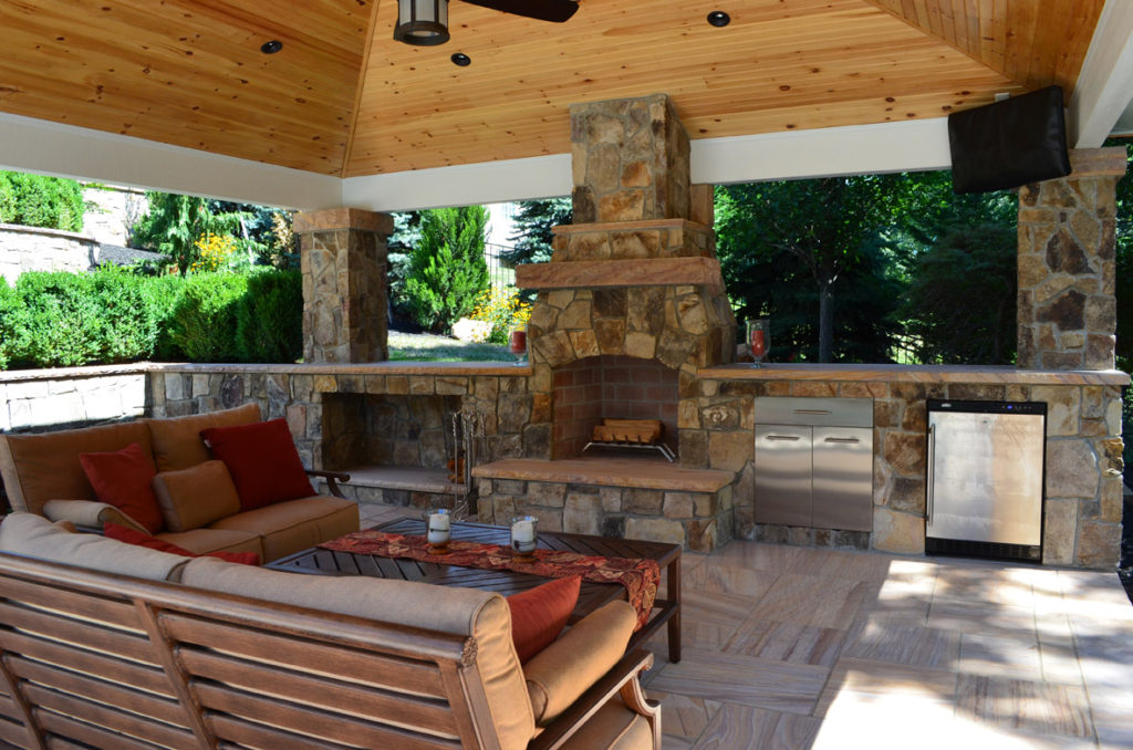 Outdoor kitchens fireplaces eva furniture for Outdoor fireplace designs plans
