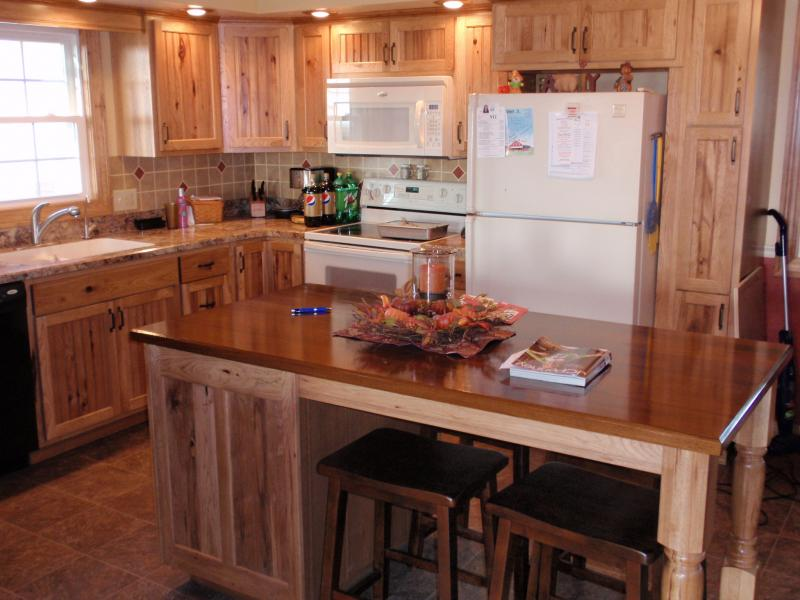20 rustic hickory kitchen cabinets design ideas eva furniture rh evafurniture com